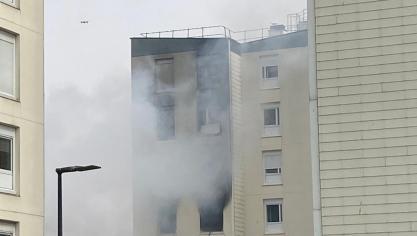 Un drone procédait à la reconnaissance de l'appartement totalement détruit.