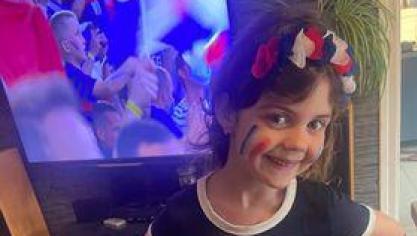 Une jeune supportrice, photo envoyée par Joëlle.