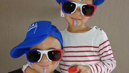 Sahyan, 10 ans et Thais, 4 ans, sont les supporters de la France.